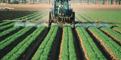 Image: Jeff Vanuga, Pesticide application on leaf lettuce in Yuma, Az., Public Domain Files, Public Domain