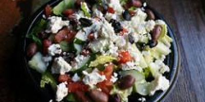 Photo: Susan Lucas Hoffman, Greek Salad, Flickr, creative commons licence 2.0)
