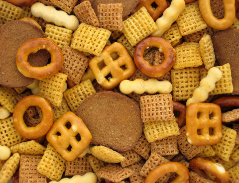 Image: Evan-Amos, A pile of Chex Mix, Wikimedia Commons, Public domain