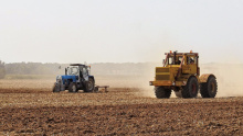 Image: Max Pixel, Agriculture Tractor Arable, CC0 Public Domain